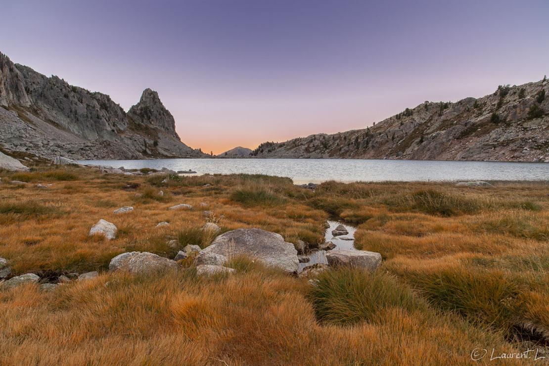 "Prairie du lac Nègre     1/4 s à f/11 - 100 ISO - 21 mm     09/09/2012 - 07:06     44°9'41"" N 7°14'8"" E     2353 m"